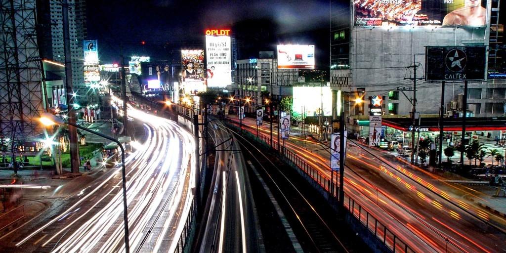 エドサ大通りとMRT (ESDA street & MRT)