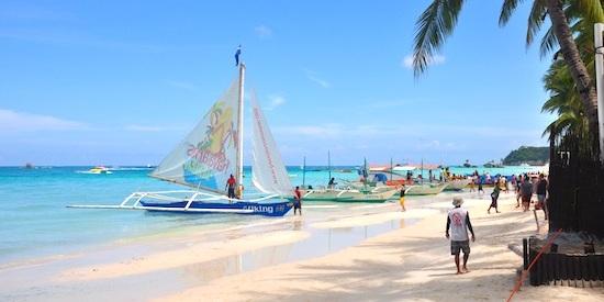 朝のボラカイ島 (Boracay in the morning)