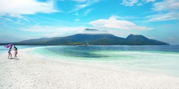 カミギン島 (Camiguin Island)