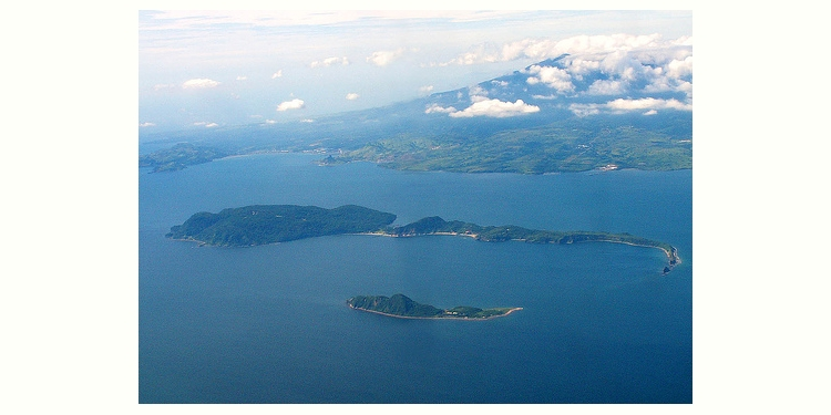 マニラ湾の湾口に位置する要塞島コレヒドール島です。 (Corregidor Island)