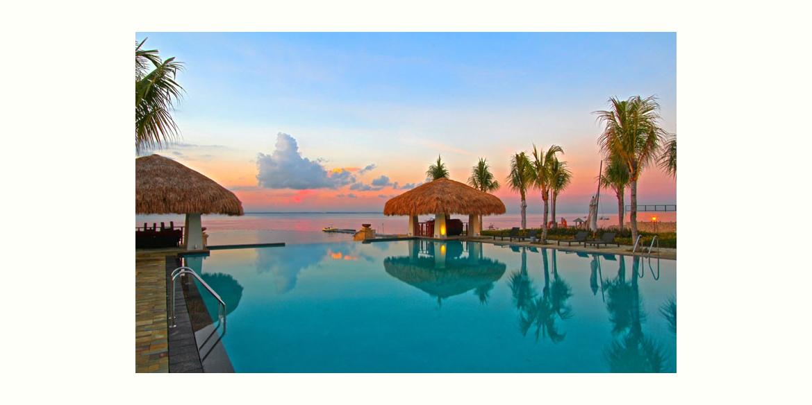 マクタン島の東に位置するビーチリゾート「クリムゾンリゾート&スパ」 (Crimson Resort & Spa Mactan)