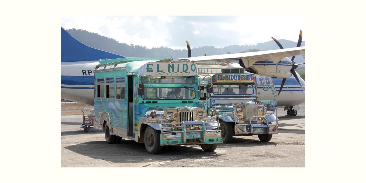 パラワン島エルニドのジープ (Jeepney at El Nido airport)