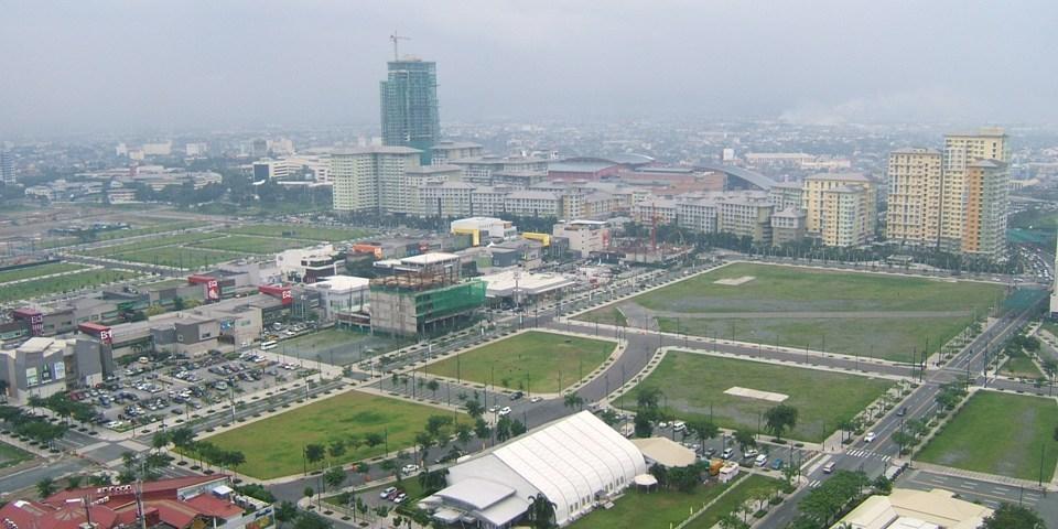 開発が進むタギッグ市フォートボニファシオのグローバルシティ (Global City, Fort Bonifacio, Taguig)