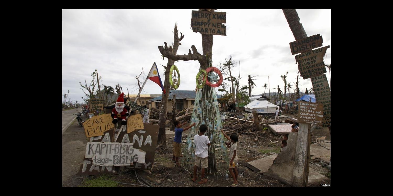 台風被害からの復興に励むレイテ島にもちゃんとクリスマスはやってきます。 (Chritsmas In Leyte)