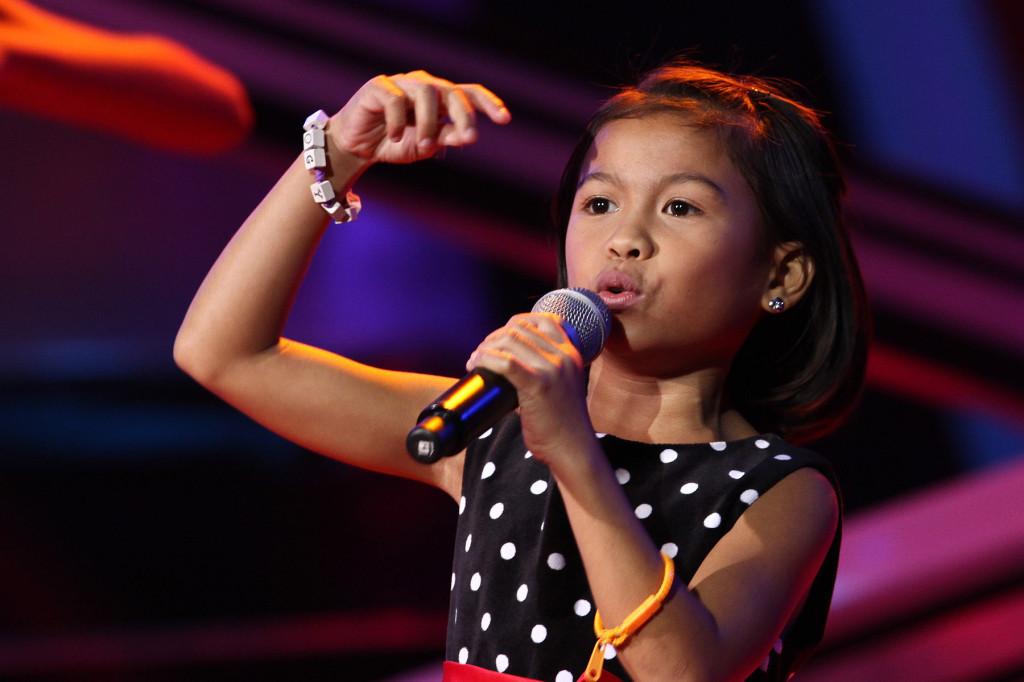 オーディションで熱唱するLyca Gairanod (Lyca Gairanod at The Voice Kids audition)