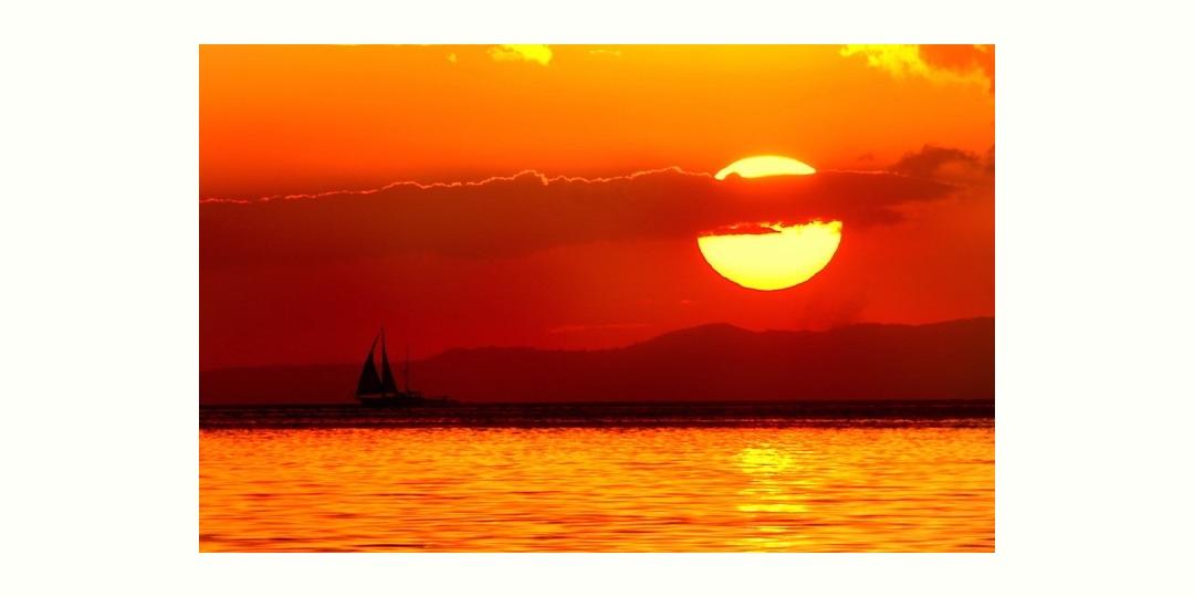 マニラ湾に沈む夕陽 (Manila Bay Sunset)