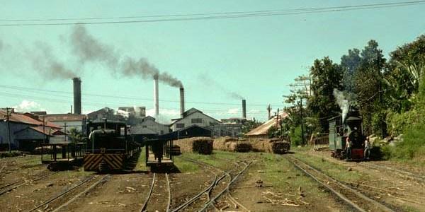 サトウキビ工場 ネグロス島 (Sugar Cane (milling) Factory / Negros Island)