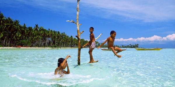アロナビーチ・パングラオ島(ボホール) - Alona Beach Panglao Is. Bohol