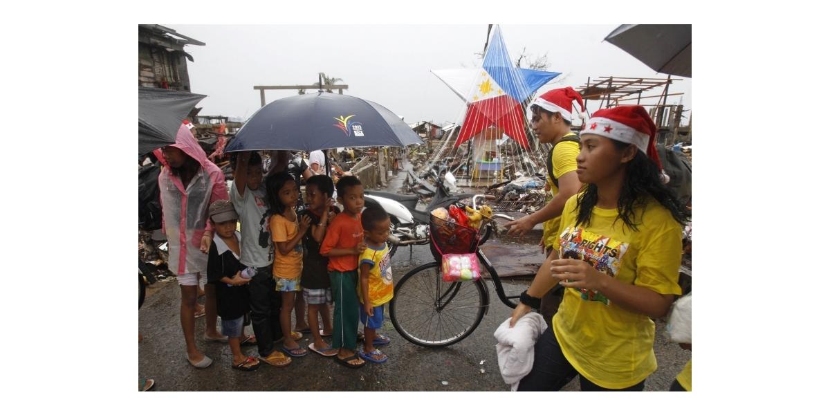 レイテ島・タクロバンのクリスマス2013年 (Christmas at Tacloban Leyte 2013)