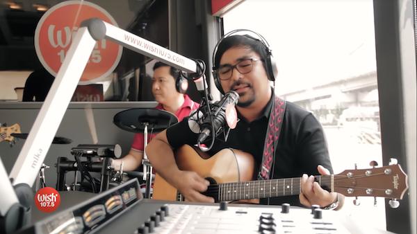 Iiyak Na Lang – Lito Camo (ライブ)